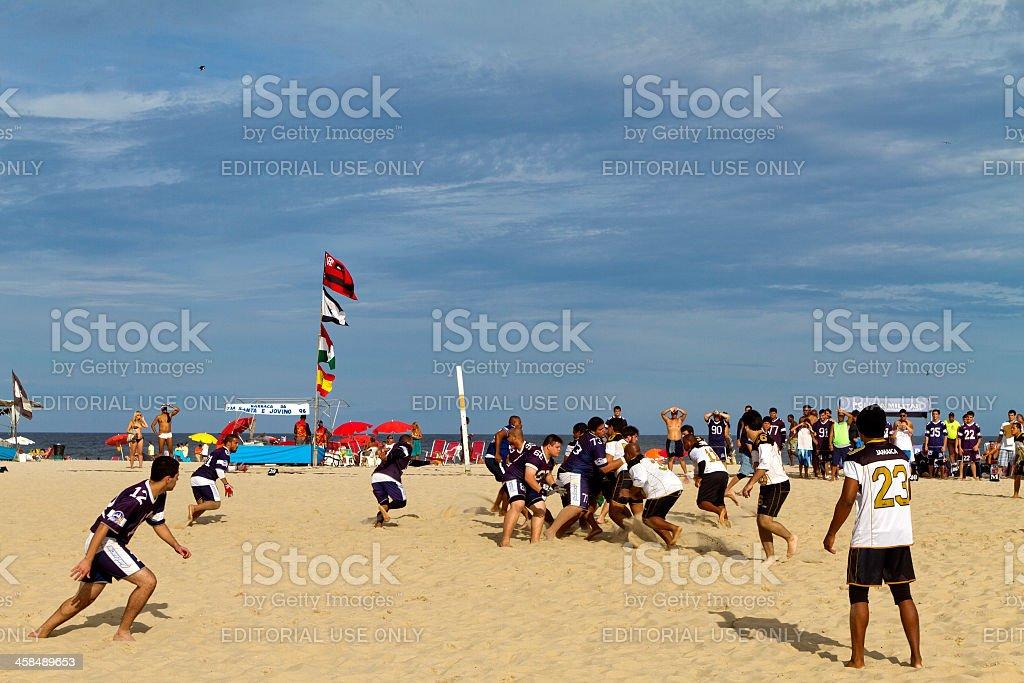 Jogo de futebol na praia de Copacabana - foto de acervo