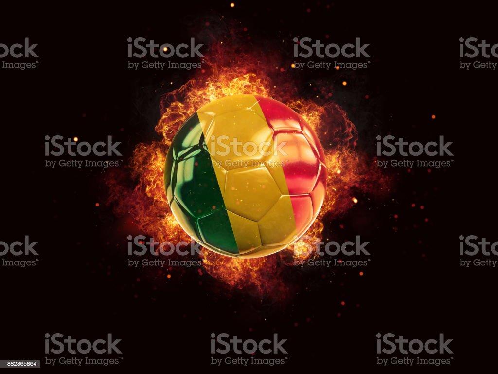 Futebol em chamas com a bandeira do mali - foto de acervo