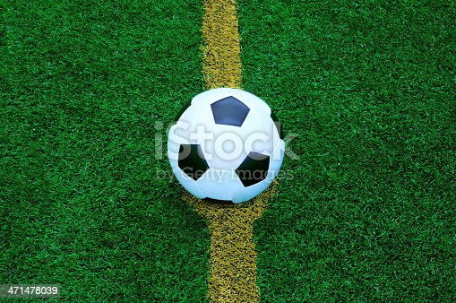 185262834 istock photo football 471478039