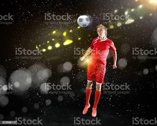 Football player picture id525986137?b=1&k=6&m=525986137&s=612x612&h=gdcbemutm39svef8zhyy1z2xhxr0sh5jdp cpd9t ds=