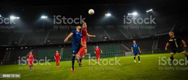 Football players heading the ball picture id868679194?b=1&k=6&m=868679194&s=612x612&h=jcgxb9bjly4z8yaqiqea1 1d jgqfwptxrs 2pztwhy=