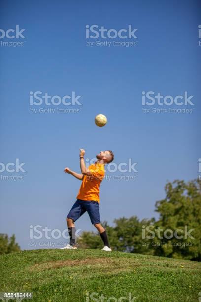 Footgolf player heading the ball picture id858486444?b=1&k=6&m=858486444&s=612x612&h=pclvzvmtitstqmgtbd46kd0t4ruzfqopwqxzn1yssoi=