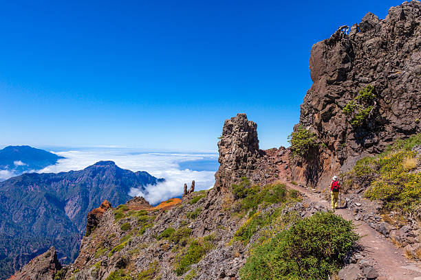 footpath in the caldera de taburiente national park, la palma - caldera bildbanksfoton och bilder