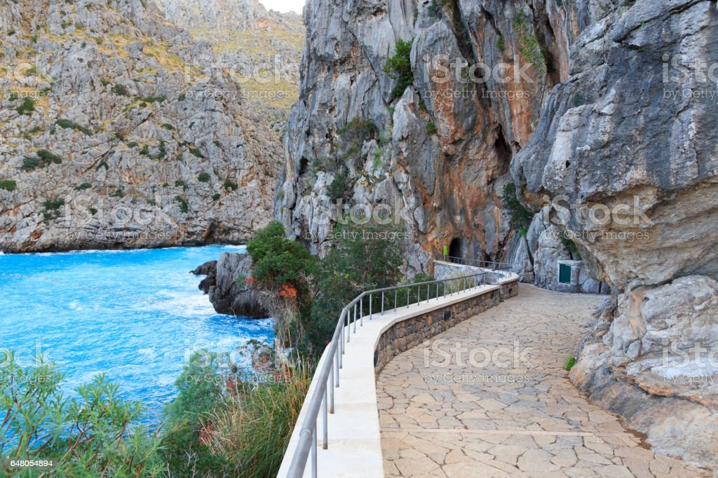 Fußweg Zum Torrent De Pareis Und Mittelmeer Mallorca Strand Stock ...