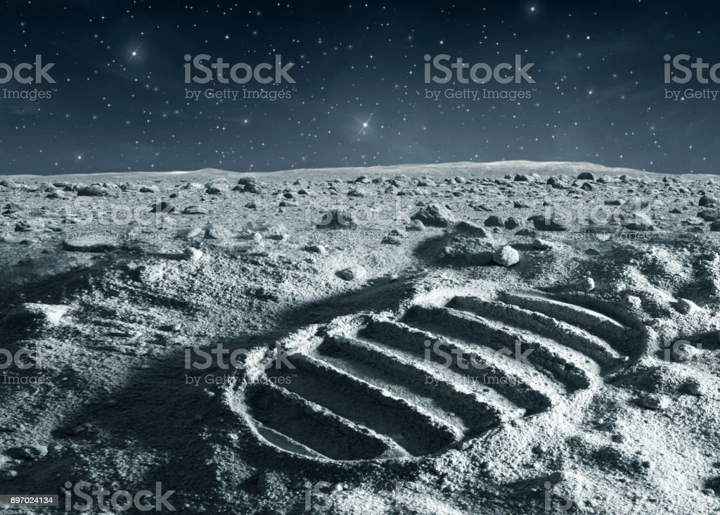 Footprint of astronaut on the moon – zdjęcie