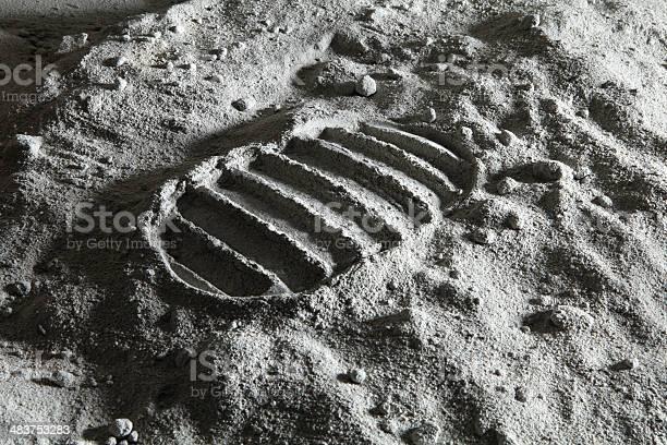 Footprint on the moon picture id483753283?b=1&k=6&m=483753283&s=612x612&h=pgzl1sxmprqotfnedt0hpxwf 8qwjrmnfeaqlnay7qa=