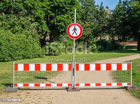 For pedestrians closed