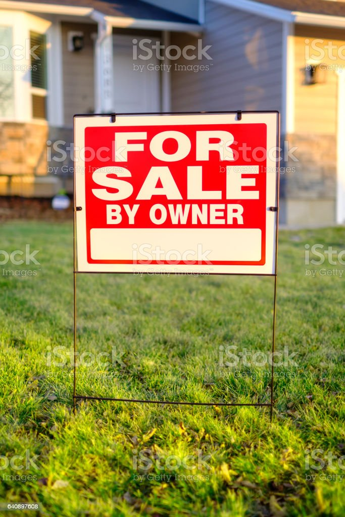 For Sale By Owner Sign And House Stock Photo - Download
