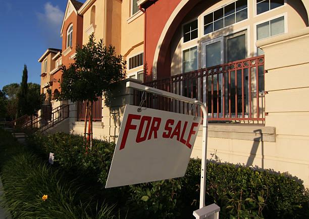 for sale sign - sale stok fotoğraflar ve resimler