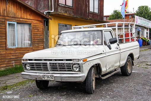 istock Ford F-100 820807980