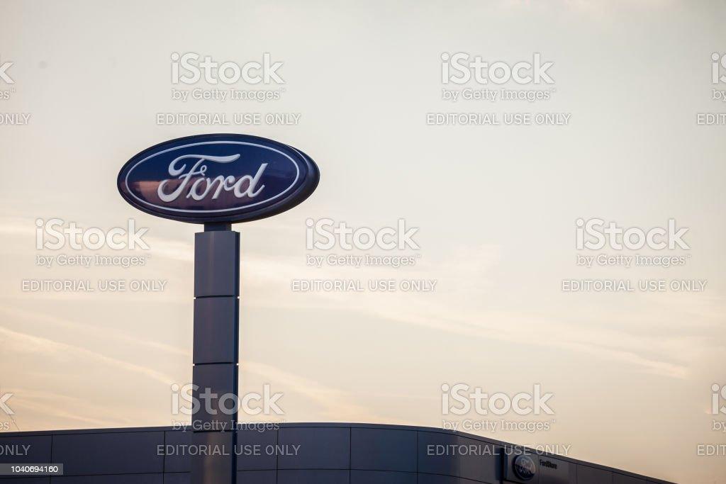 Photo Libre De Droit De Logo De Ford Sur Leur Principal