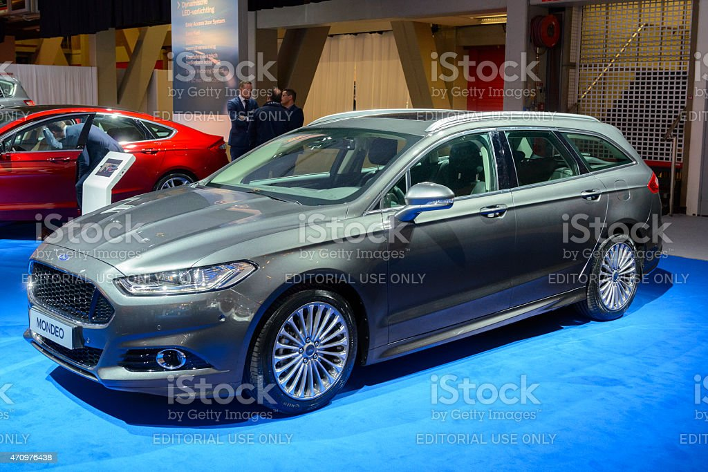 Ford Mondeo Wagon Estate Car Stock Photo More Pictures Of 1999