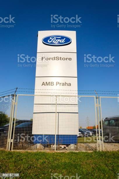 Ford motor company logo on dealership building picture id856167168?b=1&k=6&m=856167168&s=612x612&h=29dmw9r6hmp36ucdxg9 6pqtoa8oq73ve46pn6voebe=