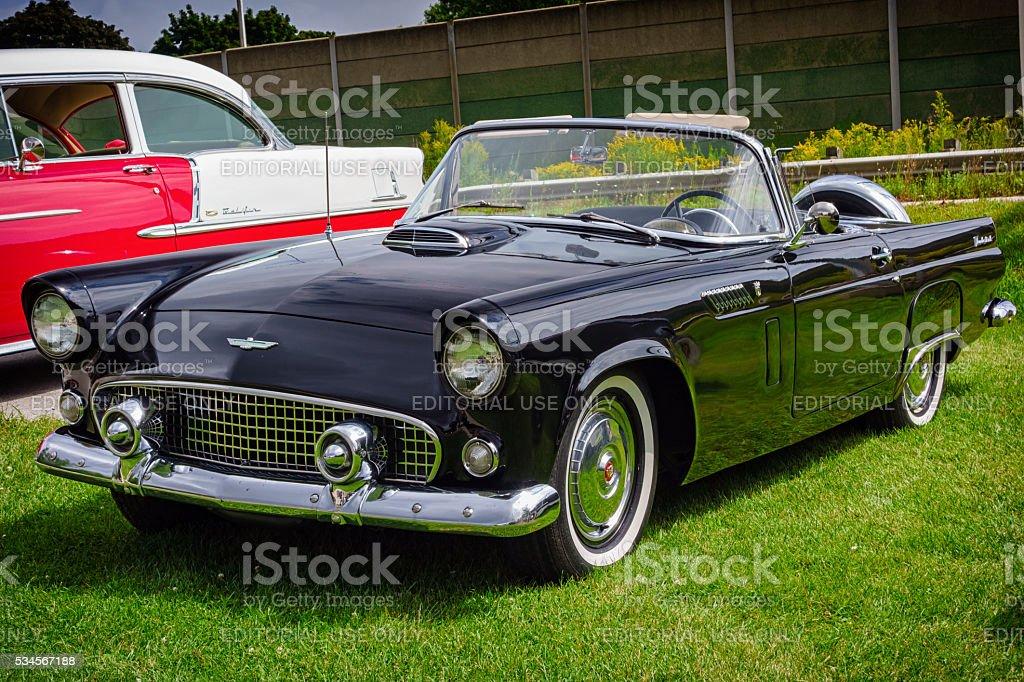 1956 Ford O Thunderbird Descapotavel Fotografias De Stock E Mais