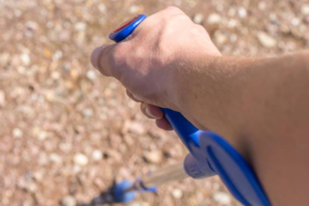 Unterarm Krücken als Hilfsmittel zu Beinverletzungen – Foto