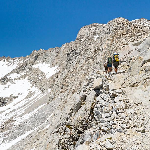 forester pass, sierra nevada - pacific crest trail stock-fotos und bilder