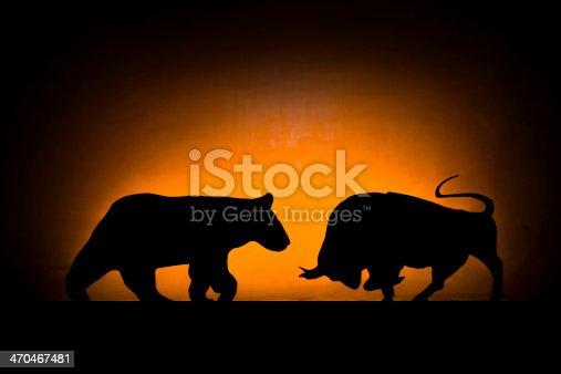 istock Forex: Bear and bull 470467481