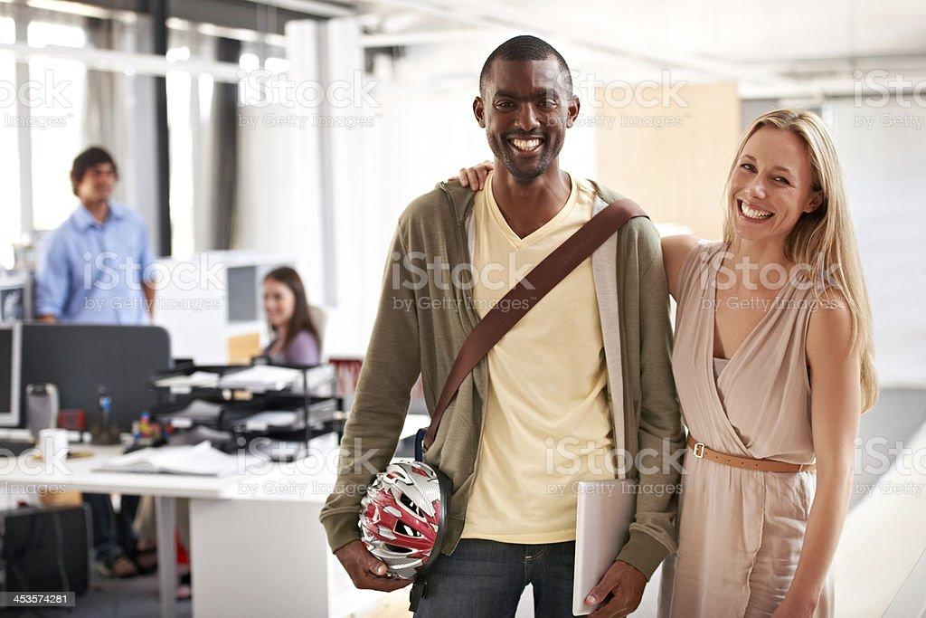 Gefälschte Freundschaften am Arbeitsplatz – Foto