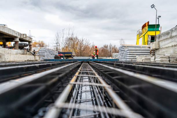Form zum Gießen von Stahlbetonpfählen – Foto
