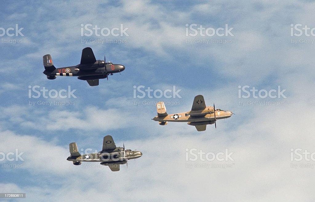 Formazione di tre II Guerra mondiale B-25 Bombers - foto stock