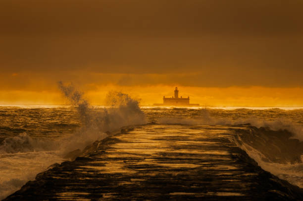 fort of st. lawrence of bugio after a storm. - bugio imagens e fotografias de stock