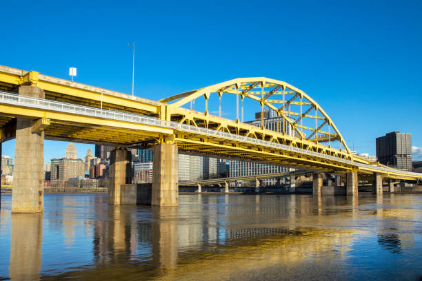 Fort Pitt Bridge Pittsburgh Pennsylvania A beautiful view of the Fort Pitt Bridge in Pittsburgh Pennsylvania that crossed the Allegheny River. pittsburgh bridge stock pictures, royalty-free photos & images
