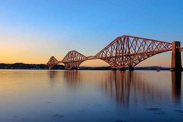 Forth Rail Bridge bei Sonnenuntergang – Foto