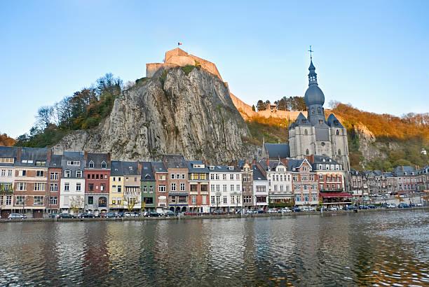 fortress on a rock - maasvallei stockfoto's en -beelden