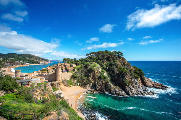Fortress Vila Vella and Badia de Tossa bay at summer in Tossa de Mar on Costa Brava Fortress Vila Vella and Badia de Tossa bay at summer in Tossa de Mar on Costa Brava, Catalunya, Spain, Catalunya, Spain catalonia stock pictures, royalty-free photos & images