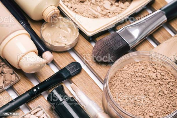Foundation make up products with brushes picture id855759306?b=1&k=6&m=855759306&s=612x612&h=iqax9ippc8gmqdtzyymfb3mmbxgzsvpq3twnlvr1cfu=