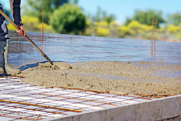 foundation Distribution of casting concrete pouring stock pictures, royalty-free photos & images