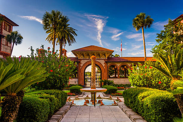 Fountain and palm trees at Flagler College, St. Augustine, Flori stock photo