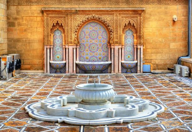 fontänen på mausoleum av mohammed v i rabat, marocko - rabat marocko bildbanksfoton och bilder