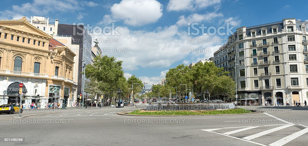 fountain in Gran Via de les Corts  - Barcelona foto stock royalty-free