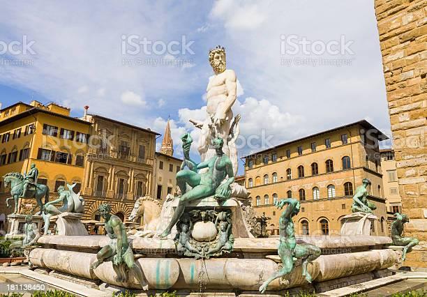 Fountain of neptune picture id181138450?b=1&k=6&m=181138450&s=612x612&h=tatoavtpbijyy99r7dlbn 5tt5dlzdaldzzkptgx ce=