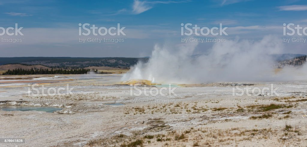 Fountain Paint Pot Trail, Yellowstone National Park, Teton County, Wyoming, United States. Clepsydra Geyser - foto stock