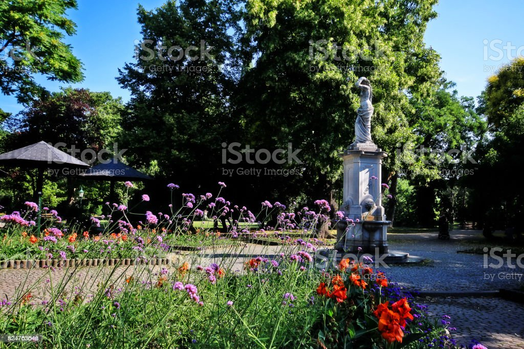Fountain statue in Stadtpark (City Park), the park in Vienna that be divided in two sections by the Wienfluss (Vienna River), Vienna (Wien), Austria (Osterreich) stock photo