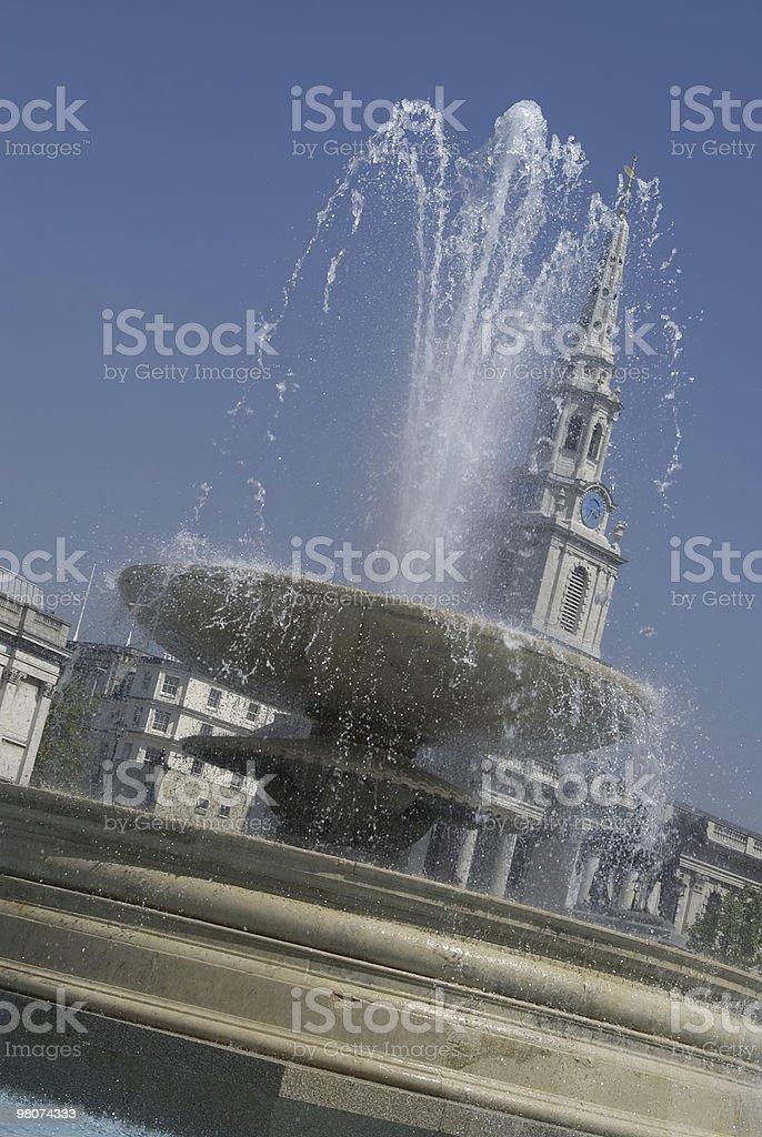 Fontana, Trafalgar Square, Londra foto stock royalty-free