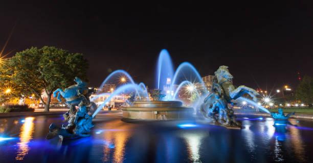 kansas city plaza üzerinde çeşmeler - çeşme i̇nsan yapımı yapı stok fotoğraflar ve resimler