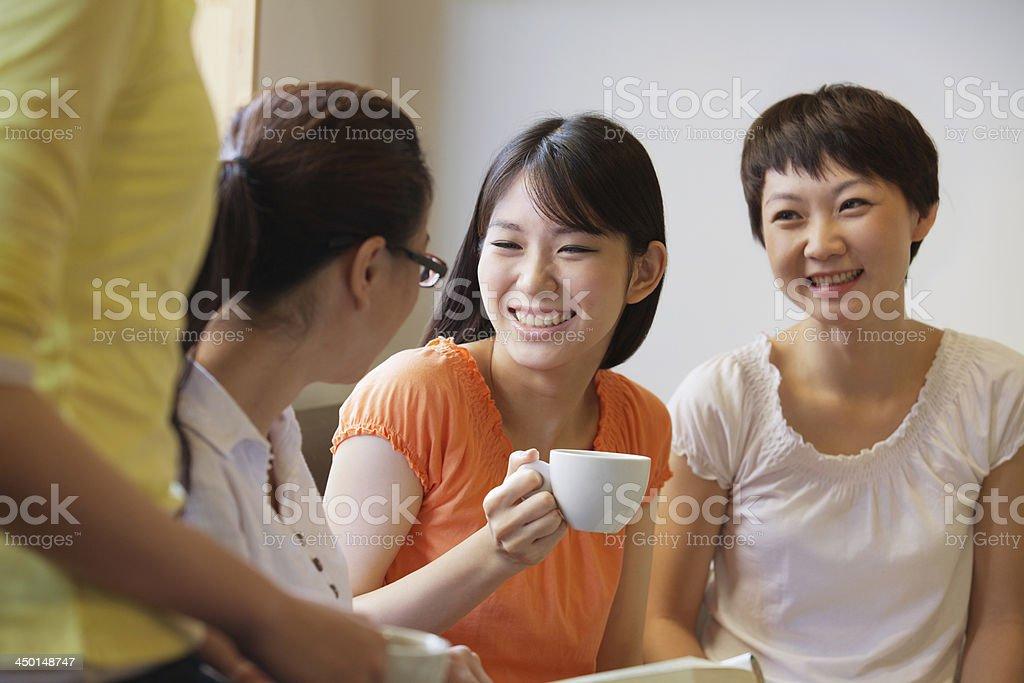 4 つのラウンジで、ご友人との会話には、コーヒーショップ、北京 ストックフォト