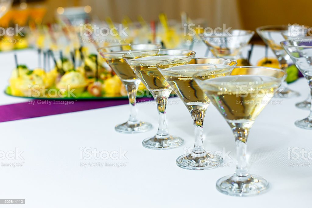 Кастинг №3 - 28 сентября - Страница 2 Four-glasses-of-champagne-on-the-banquet-table-picture-id505844110