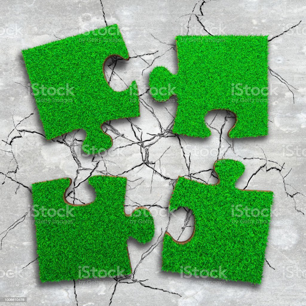 Vier Puzzles, Spielkarten mit grünen Rasen – Foto
