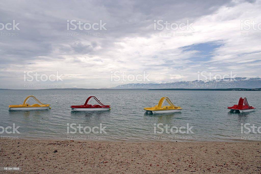 Cuatro numerados, botes de pedal - foto de stock