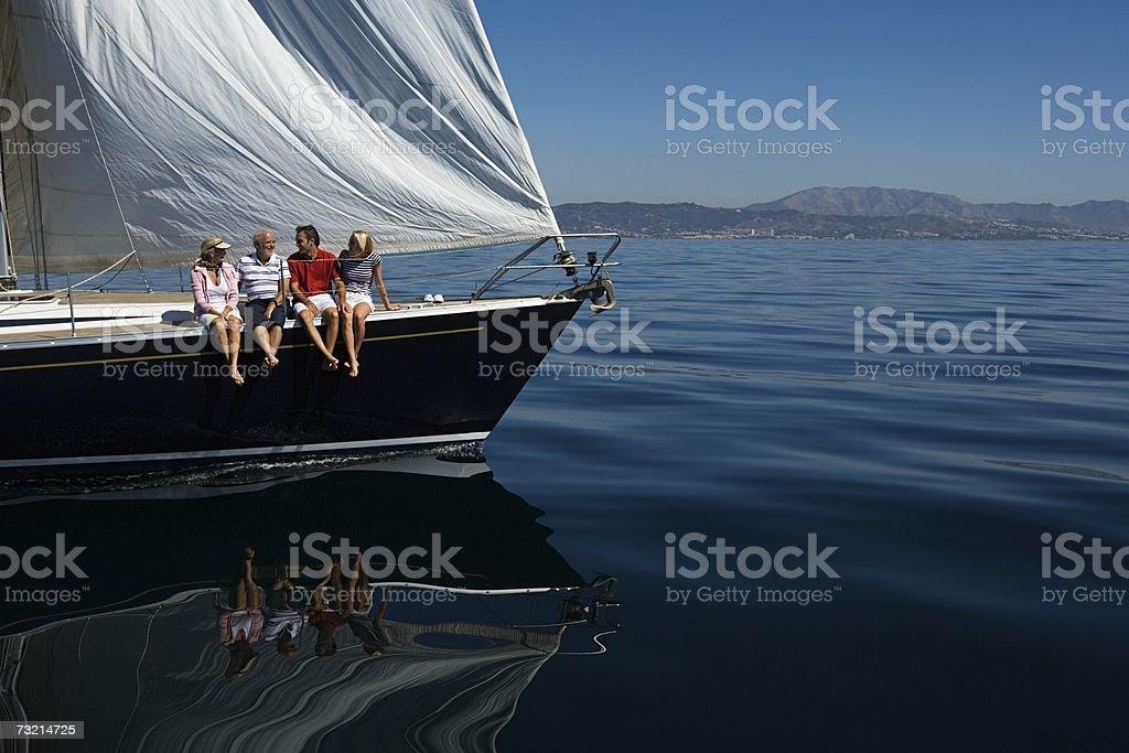 Quatro pessoas participaram um Veleiro foto de stock royalty-free