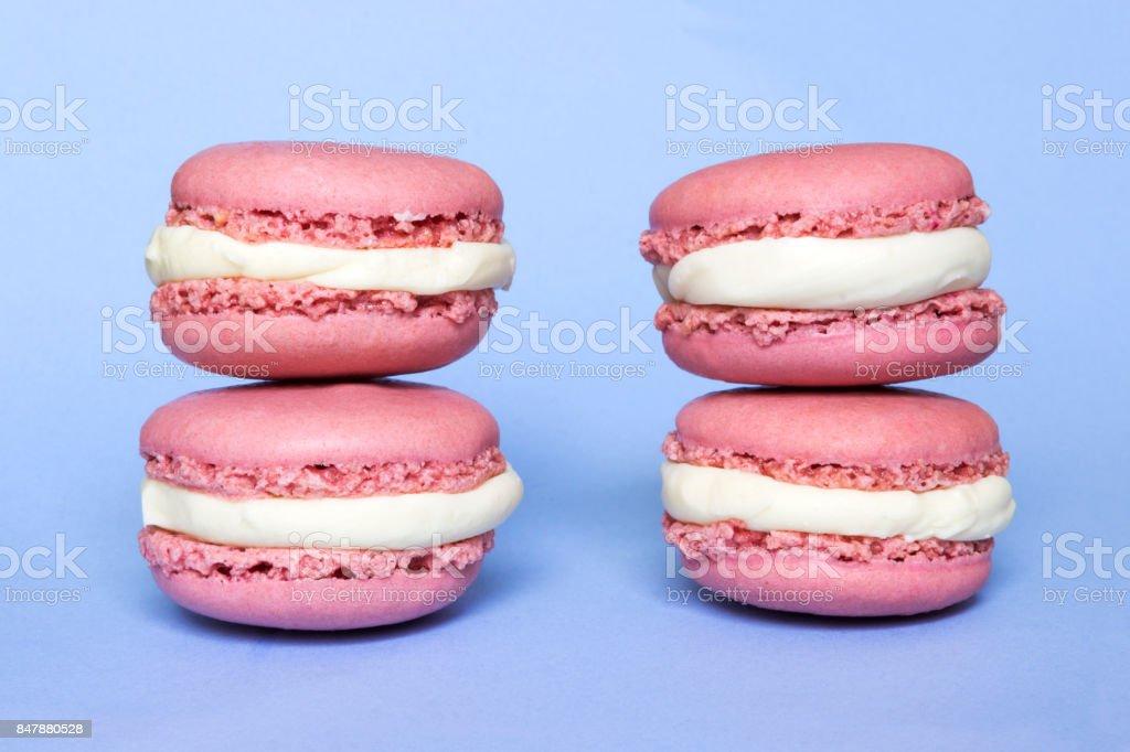 Quatre macarons roses - Photo