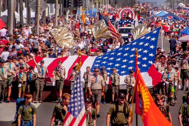 dört temmuz parade, huntington beach, ca. - geçit töreni stok fotoğraflar ve resimler