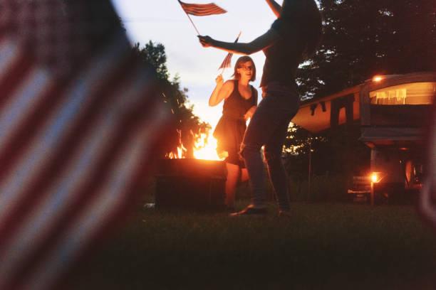 fourth juli - tanz camp stock-fotos und bilder