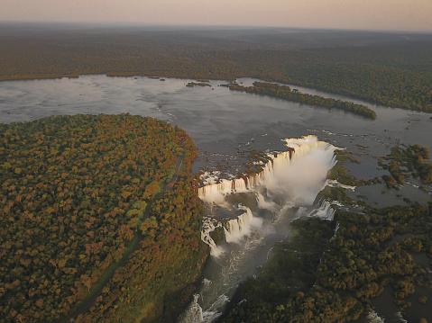 Foz do Iguaçu Brazil Waterfall Cataratas do Iguaçu Ponto turístico. Imagem de drone.