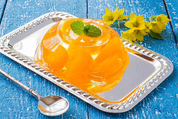 duftende orange-gelee und minze und blumen felberich - ananas marmelade stock-fotos und bilder