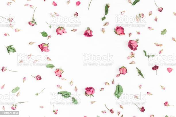 Frame made of dried rose flowers on white background picture id638452834?b=1&k=6&m=638452834&s=612x612&h=zrn8smwowvsg6fx83grmsj8xr5lyf6svouzhad h39w=